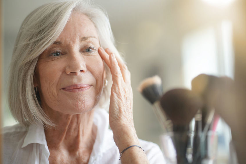 macular degeneration aids for grooming