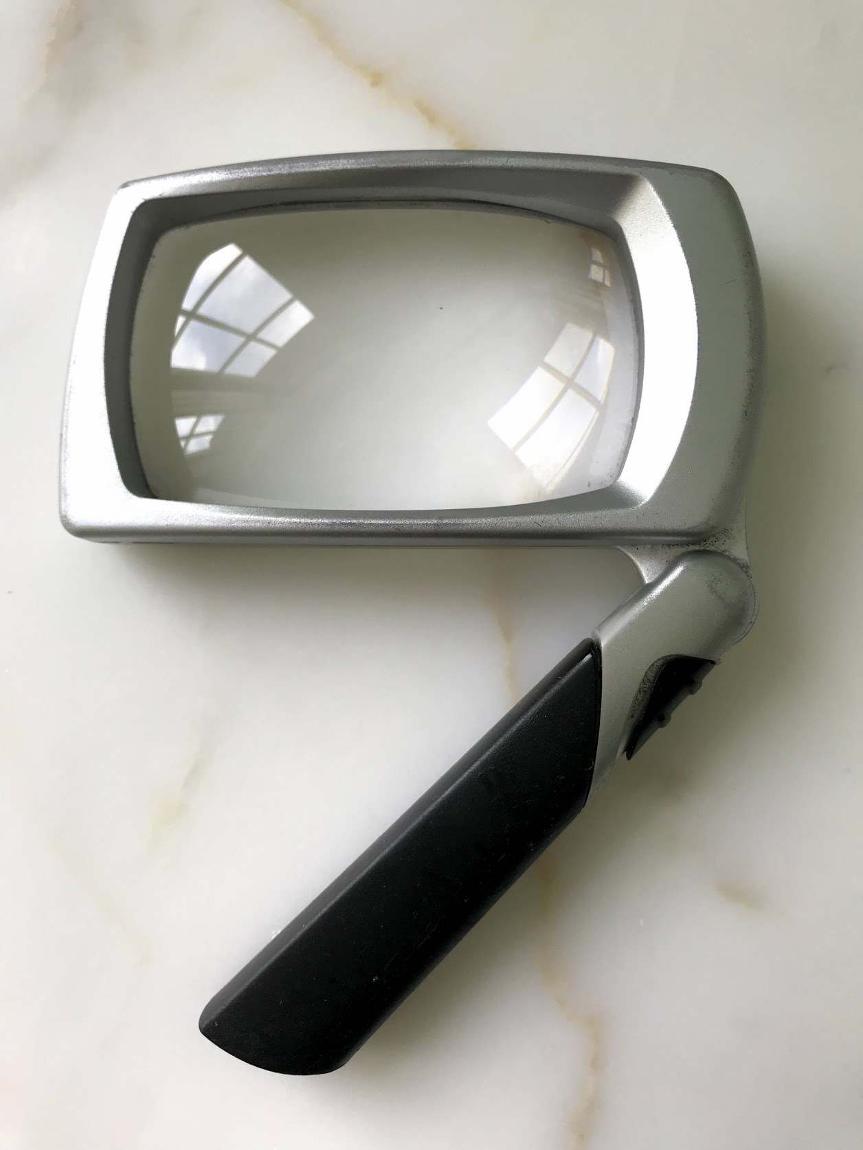folding pocket magnifier